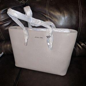 Michael Kors Bags - NWT Michael Kors Jet Set Travel